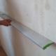 Как проверить ровность стен после штукатурки и принять работы