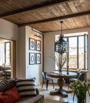 Вариант деревянного потолка